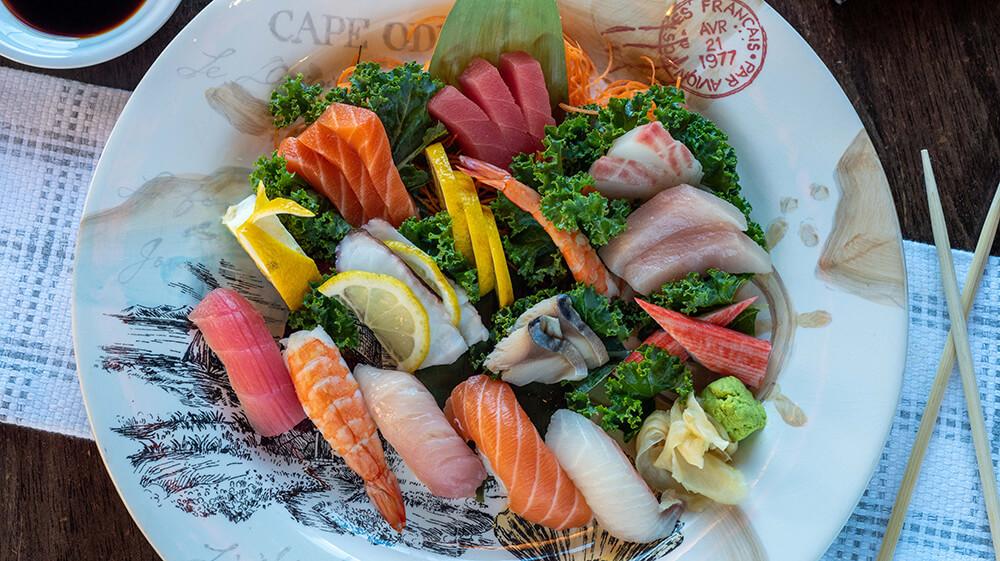 Kumo Sushi/Sashimi Combo